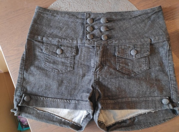 Krótkie spodenki jeansowe Orsay z wysokim stanem