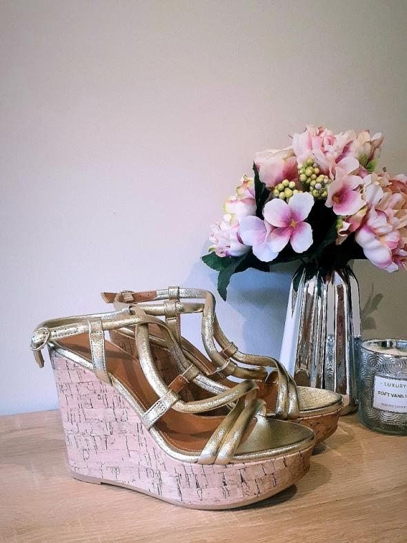 Sandały Sandały koturny H&M złote 36