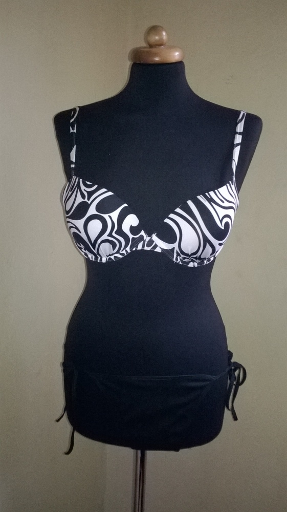 Feba kostium kąpielowy biało czarny