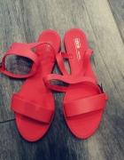 Sandałki typu Meliski...