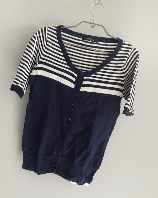 Marynarski sweterek w paski Reserved L...
