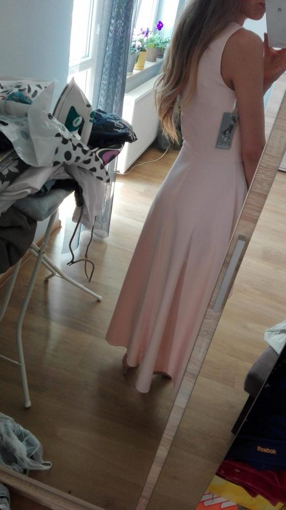 Sukienka pudrowy roz