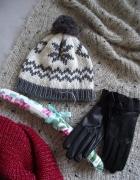 Damska zimowa czapka z pomponem zdobiona norweskim wzorem...
