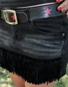 jeansowa spódnica z fręzdlami...