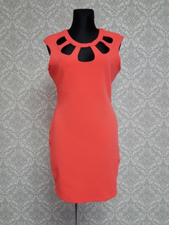 pomaranczowa sukienka z wycięciami Kardashian Kollection...