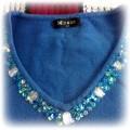 niebieska bluzka sweterkowa