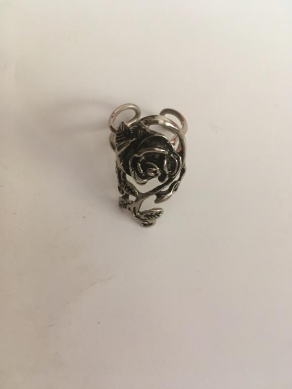 pierścionek róża kolor srebrny regulowany