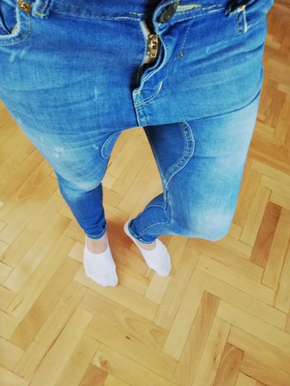 spodnie bershka z obnizonym krokiem