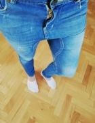 spodnie bershka z obnizonym krokiem...