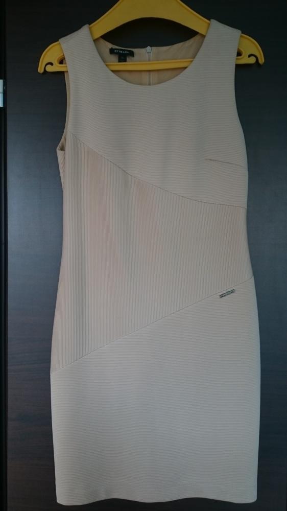 Beżowa krótka sukienka