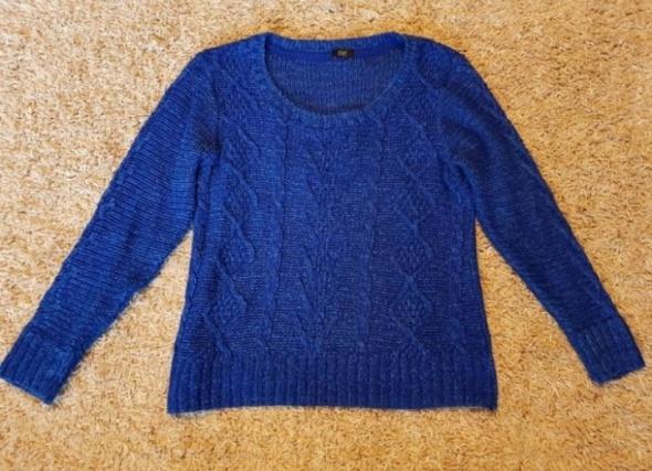 Chabrowy sweterek...