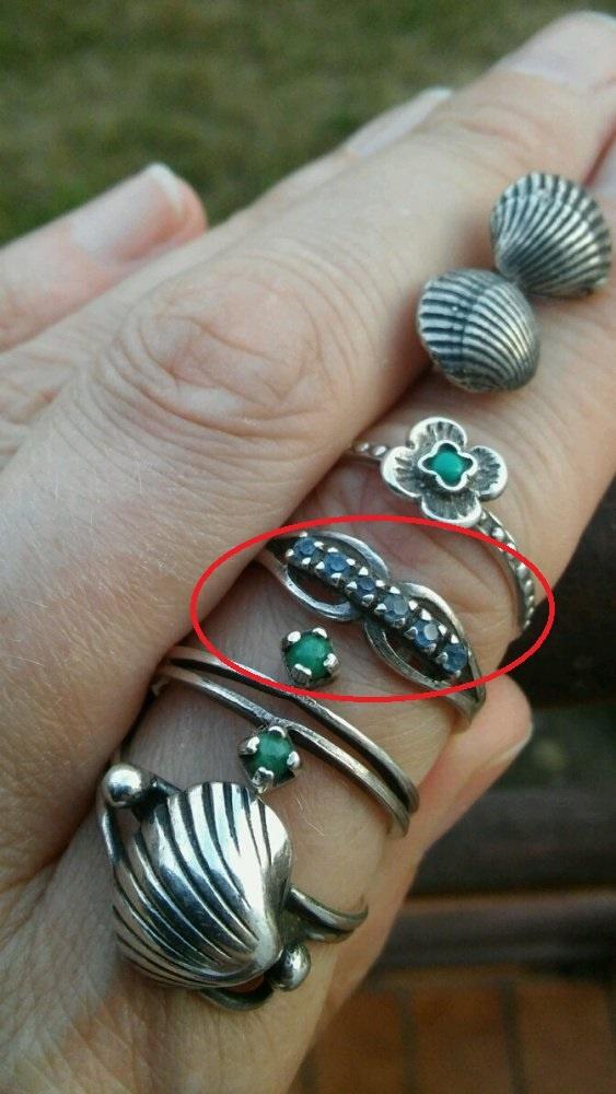 srebrny pierścionek warmet wąsy