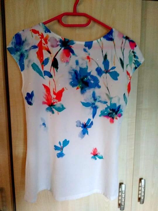 Wiosenna koszulka z kokardą na plecach...
