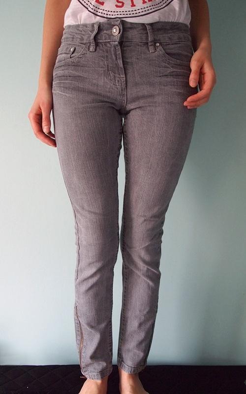 Szare spodnie jeansowe Denim Co 36 S dżinsy rurki dżinsowe z zamkami siwe skinny obcisłe wąskie zipy