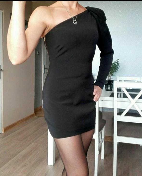 Zara sukienka dopasowana na jedno ramie