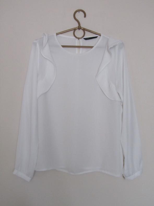Biała bluzka falbanki...