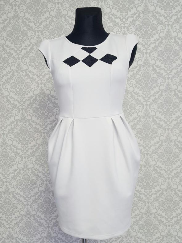 biała sukienka z czarną koronką Dorothy Perkins...