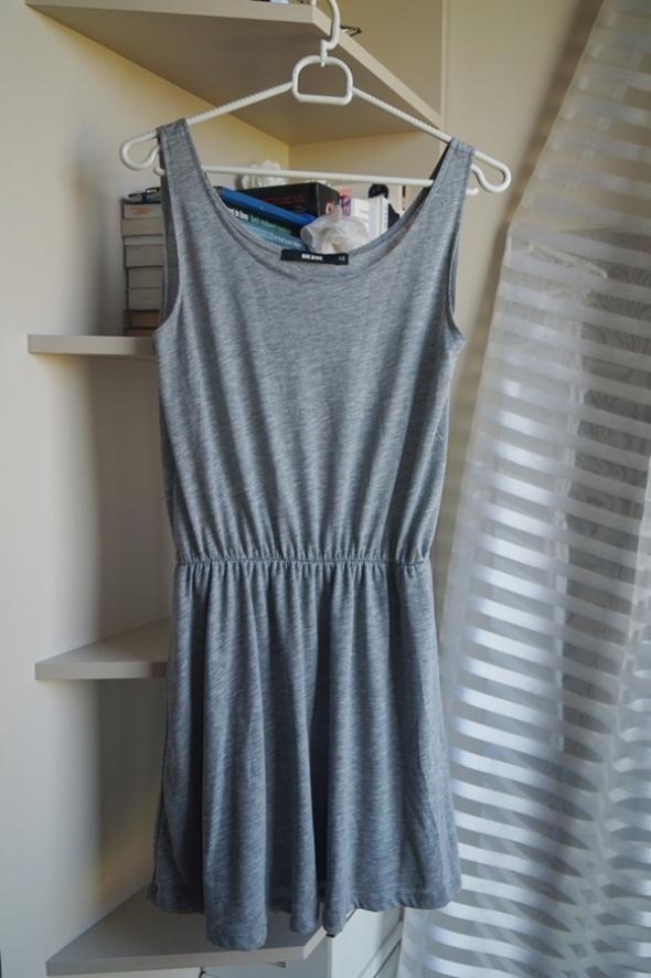 Szara letnia sukienka BikBok XS...