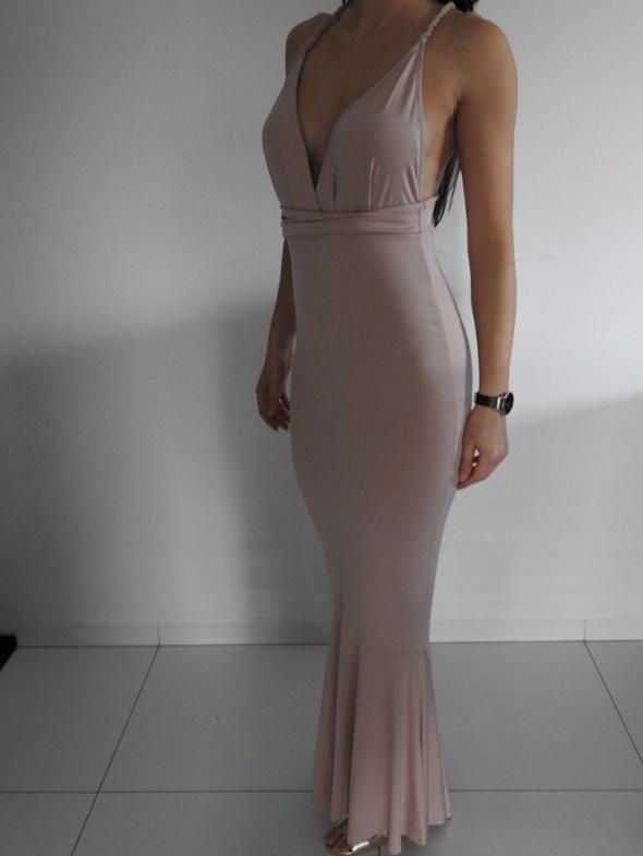 zjawiska suknia Asos