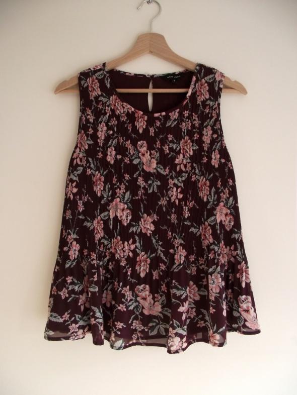 Bluzki Nowa luźna plisowana bluzeczka w kwiaty New Look 40 L