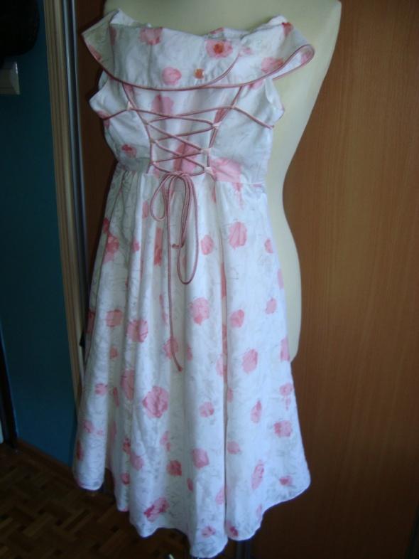 sukieneczki dziewczęce...