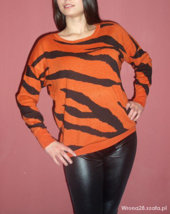 Sweterek w tygrysa
