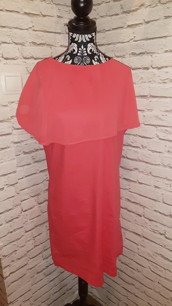 Idealna czerwona sukienka