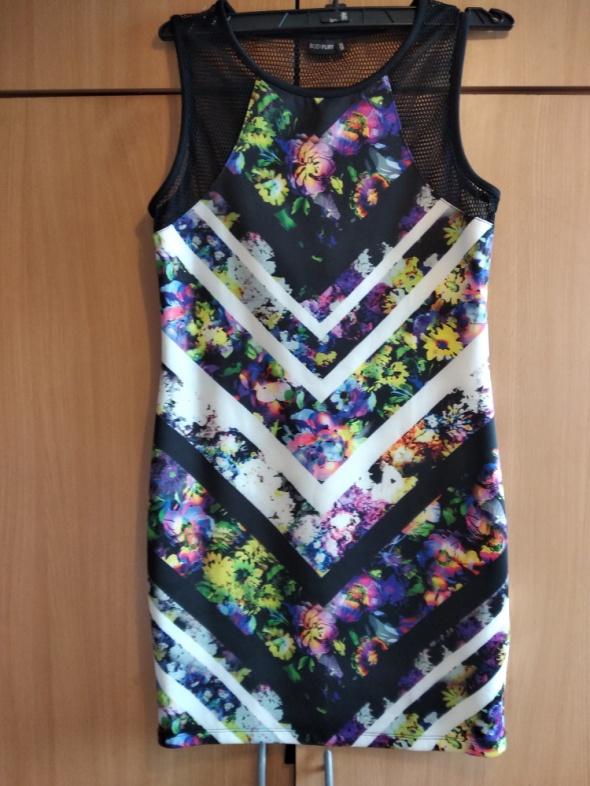 Sukienka w kwiaty 36 38 Bodyflirt