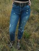 jeansy z dziurami...