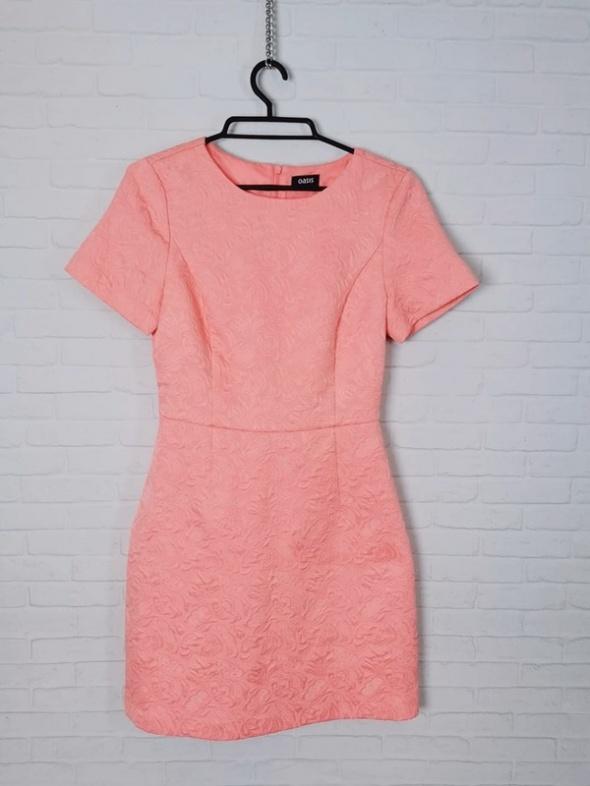Oasis Jasna różowa brzoskwiniowa dopasowana sukienka pikowany m...