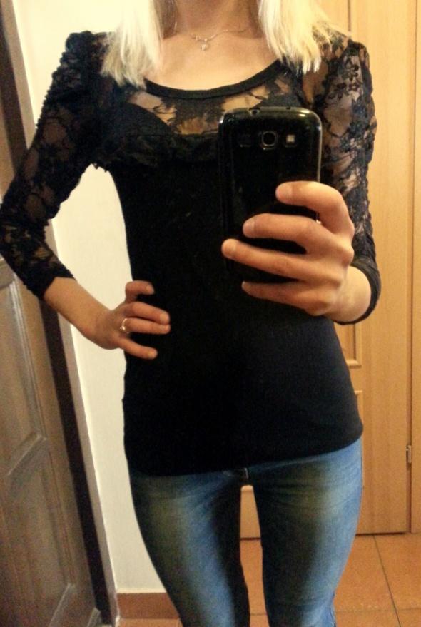 Bluzki Śliczna bluzka z koronką rozm S M