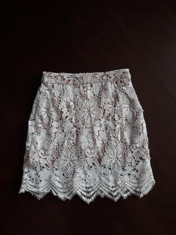Spódnice Koronkowa spódnica mini boohoo M