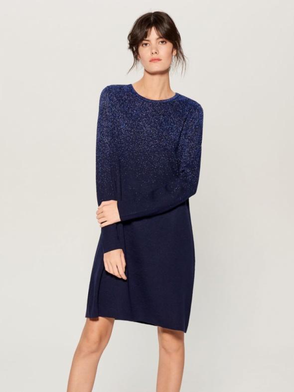 Swetrowa niebieska dzianinowa sukienka z efektem ombre brokatowa 38 M