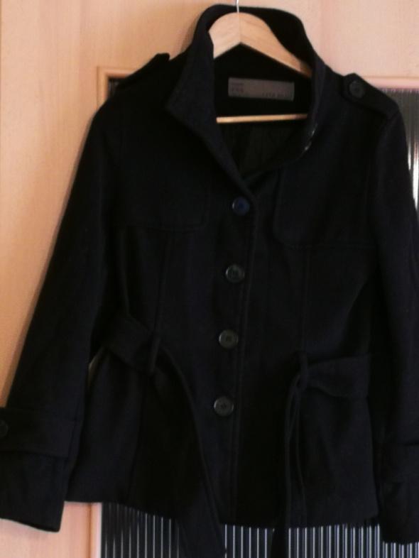 Czarna kurtka Zara