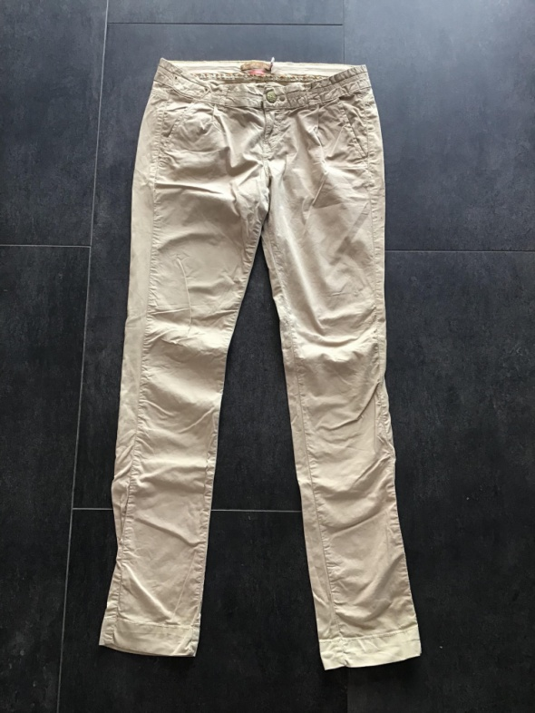 Bershka bawełniane spodnie 38 M