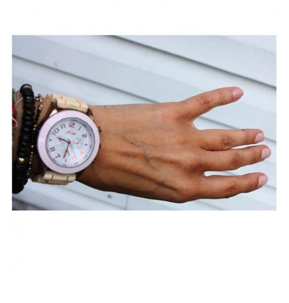 Zegarek naręczny marki House