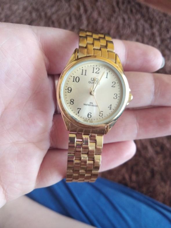 Złoty zegarek quartz