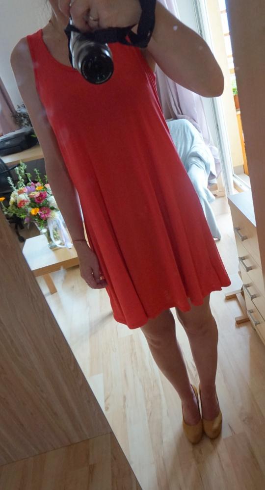 letnia sukienka na ramiączka...