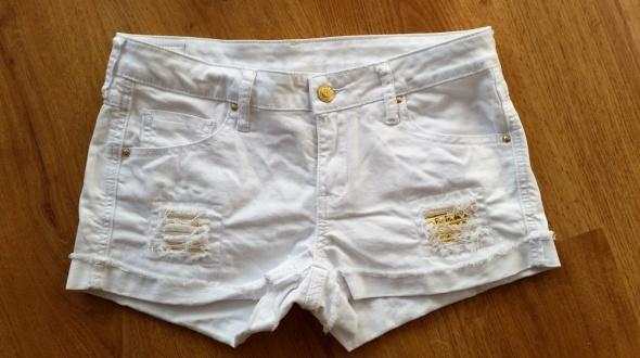 MANGO MNG 36 S białe spodenki szorty złote ćwieki jak nowe...