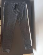 Dresowe spodnie...