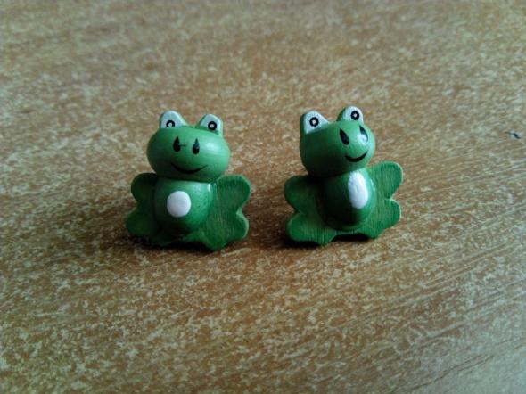kolczyki żabki