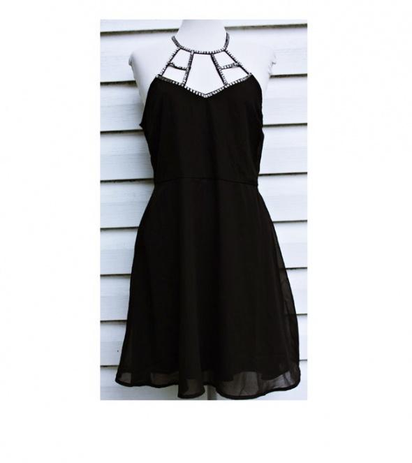Czarna elegancka sukienka Even&Odd