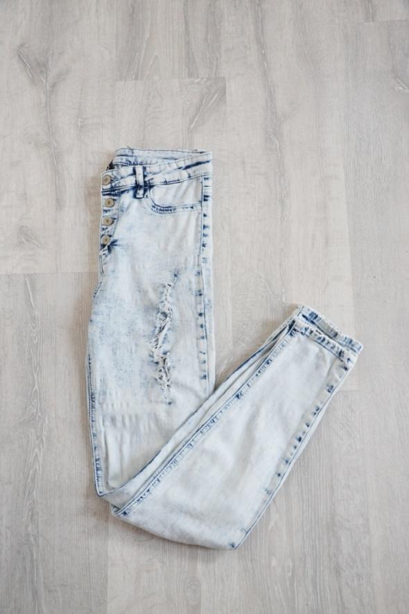Jasne jeansy marmurki z dziurami wyższy stan przetarcia tally W...