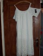 Biała bawełniana sukienka z koronką