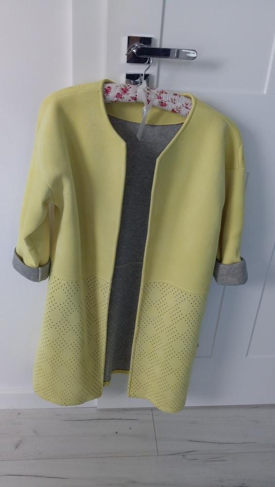 Piankowy płaszcz