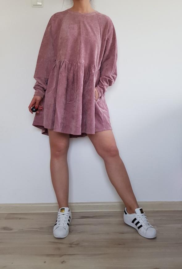 Sztruksowa różowa sukienka 36 38 40
