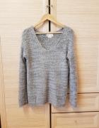 sweter włochaty bershka