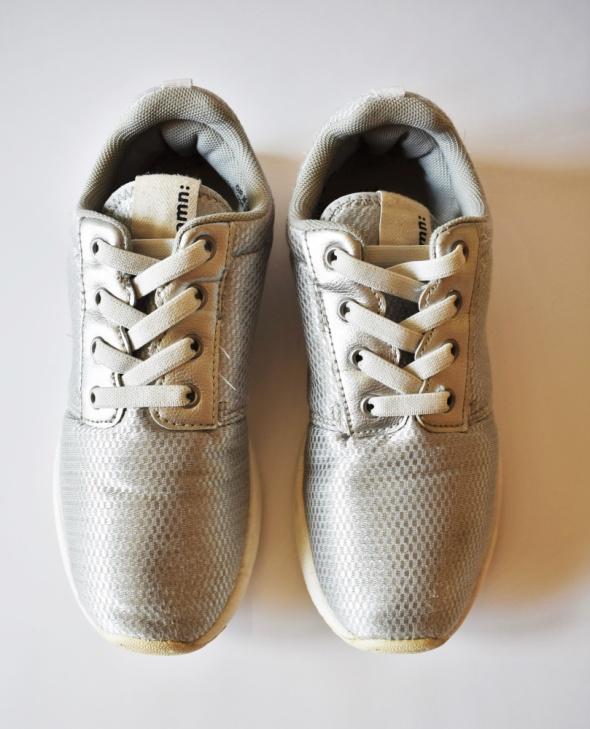 H&M Ładne srebrne buty dla dziewczynki R 35