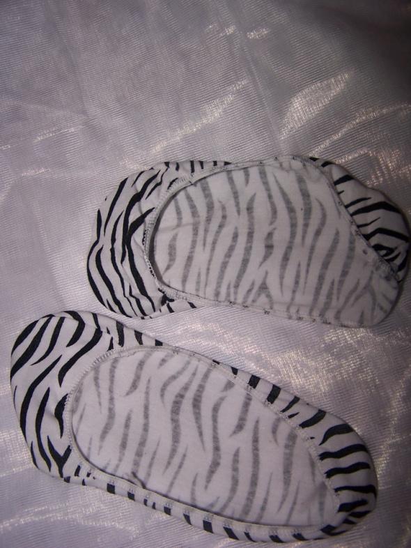 Stopki do balerinek biało czarne używane