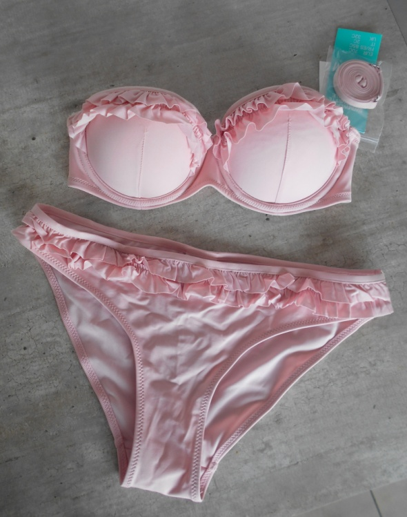 HM nowe bikini falbanki pudrowy róż push up